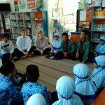 Seru! Para Siswa Belajar Bahasa Asing Bareng Native Speaker dari Dua Negara Berbeda