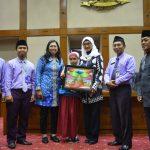 Duet Atlit dan Artis Sambut Edutrip Kelas V di Senayan
